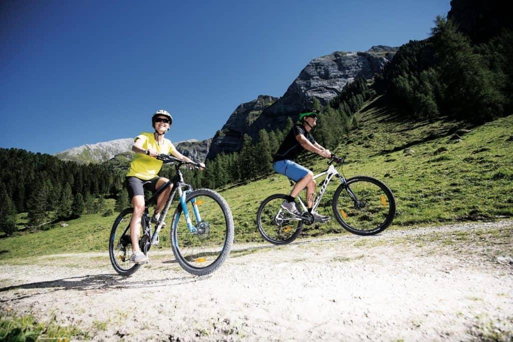 Hotel Pinzger Tux E-Mountainbike Tour