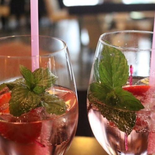 City Café Bar Lounge Tux Getränk Lillet Sprizz